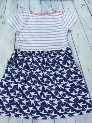 Mini Boden  hotchpotch dress with navy blue white dove design age 6-7
